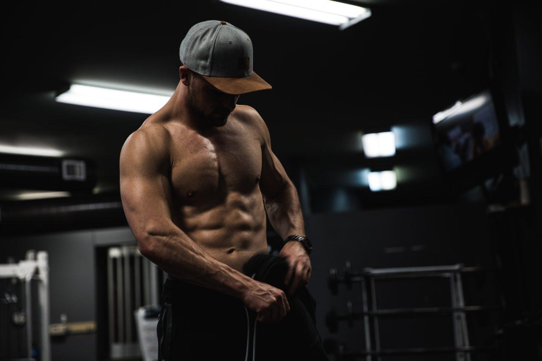 自宅で腹筋運動
