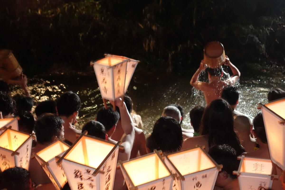 【黒石寺蘇民祭】裸参り
