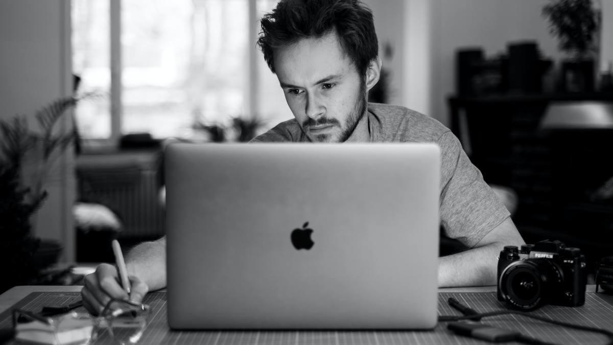 【 新型MacBook Pro 13 】【 新型MacBook Pro 13の残念な点 】内臓カメラが720P