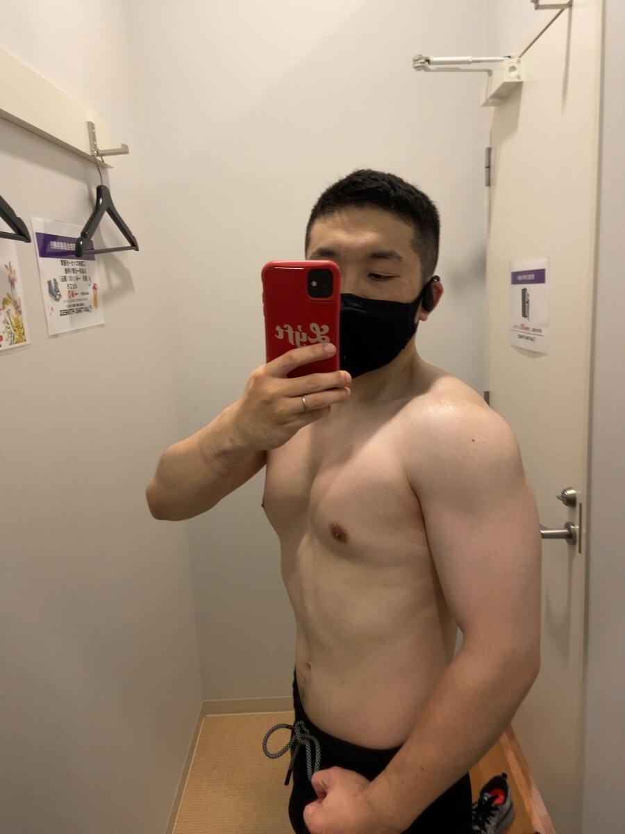 HIITダイエット2週目の体型写真側面