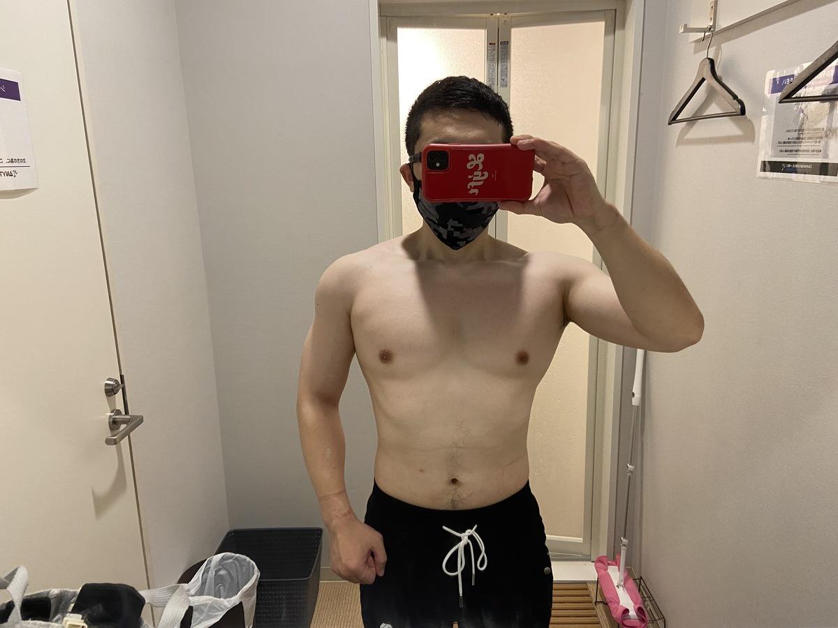 HIITダイエット4週目の体型写真正面